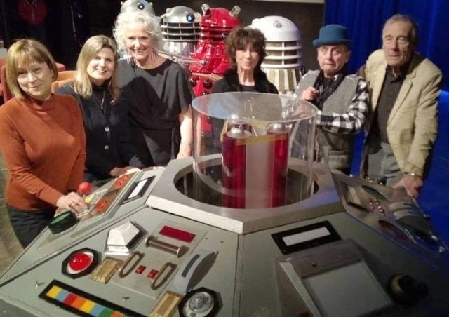 Popular Doctor Who Convention Raises 8k For For Bedford
