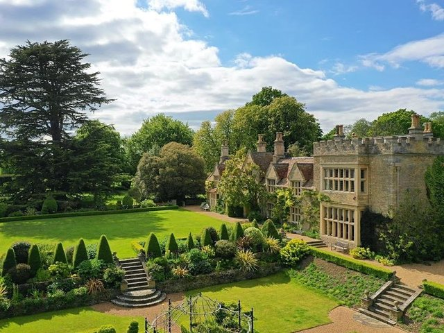 Tofte Manor in Sharnbrook
